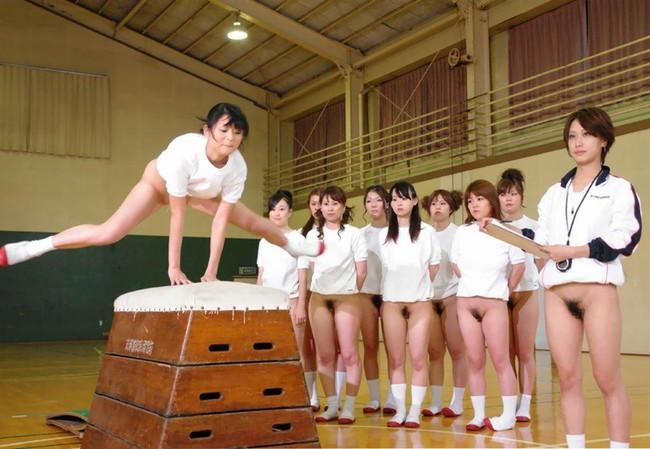【ヌード画像】女の子の丸出しスポーツ姿が大胆すぎるw(31枚) 22