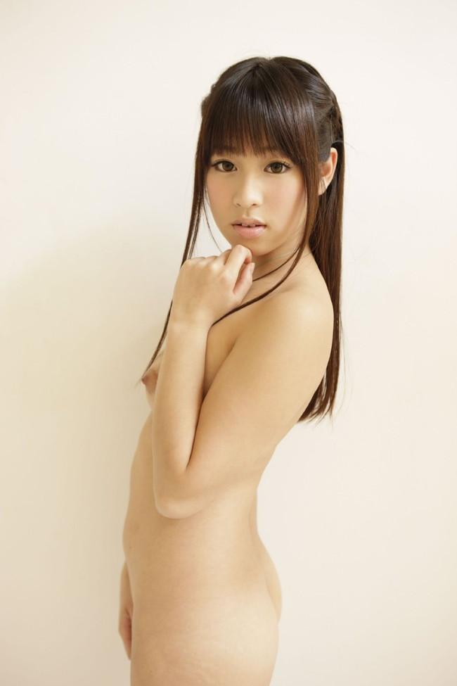 【ヌード画像】微乳で美乳なおっぱいを堪能したいw(31枚) 19