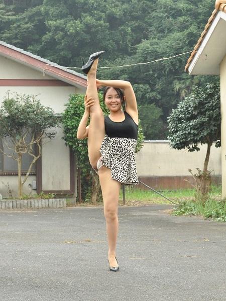 【ヌード画像】美少女のセクシーなY字開脚姿!(31枚) 02