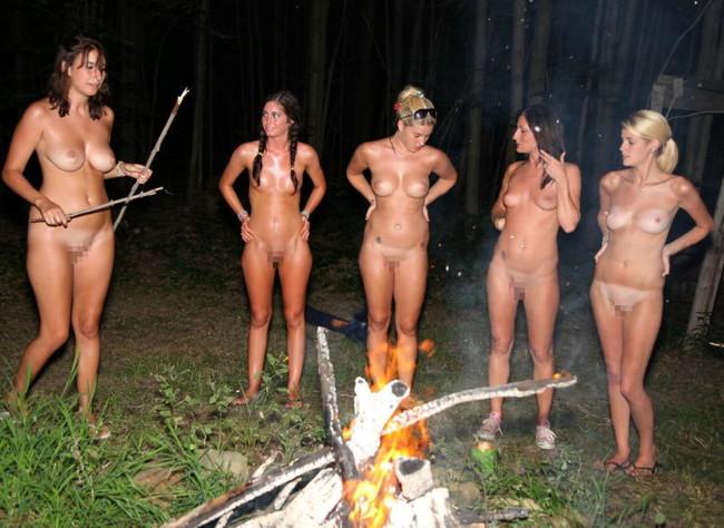 【ヌード画像】自然との共存!野外にいる美少女たちの幻想的な美しさ!(31枚) 22
