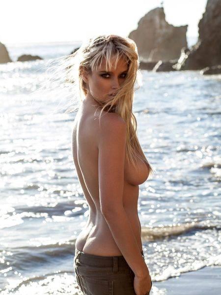 【ヌード画像】ジーンズを履いた上半身裸の美女がエロ美しいw(32枚) 24