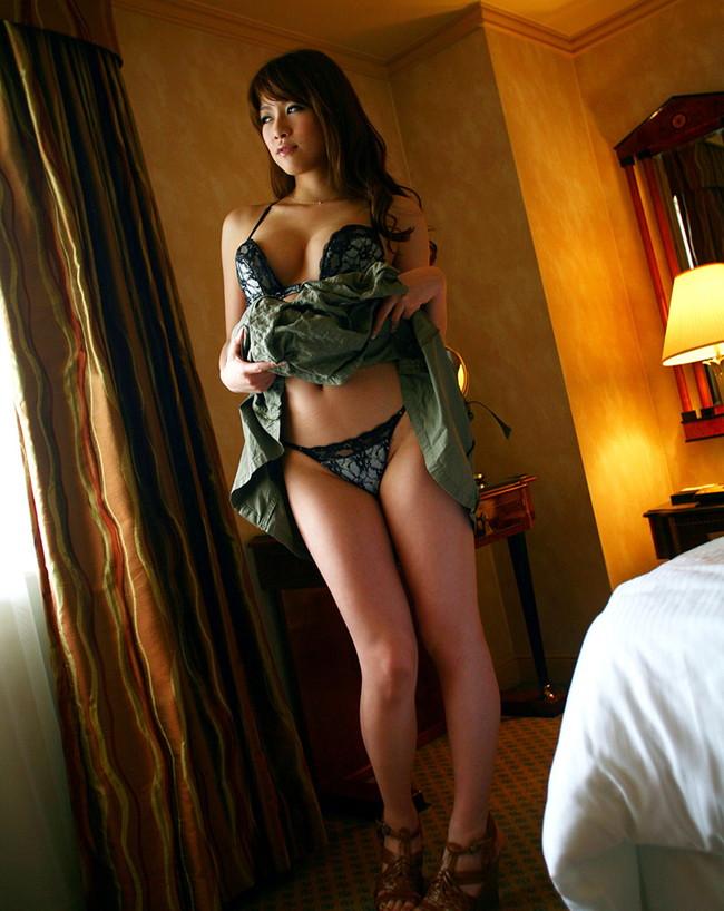 【ヌード画像】眞木あずさのエロい魅力あふれる美巨乳ヌード画像(31枚) 09