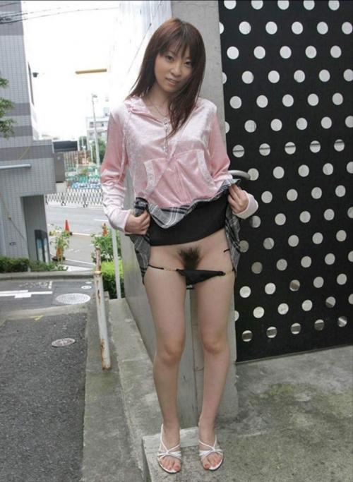 【ヌード画像】美女がパンティずらしてマン毛が見放題w(31枚) 16