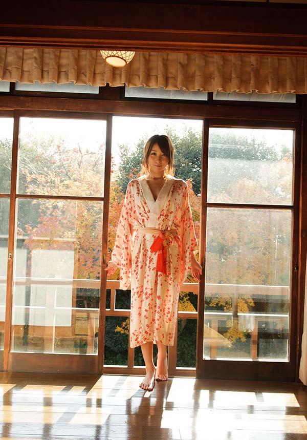【ヌード画像】美雪ありすの美尻スレンダーなヌード画像(32枚) 22