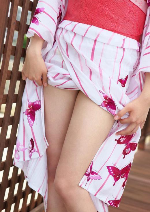 【ヌード画像】和服美女たちの半脱ぎ姿が艶めかしいw(31枚) 20