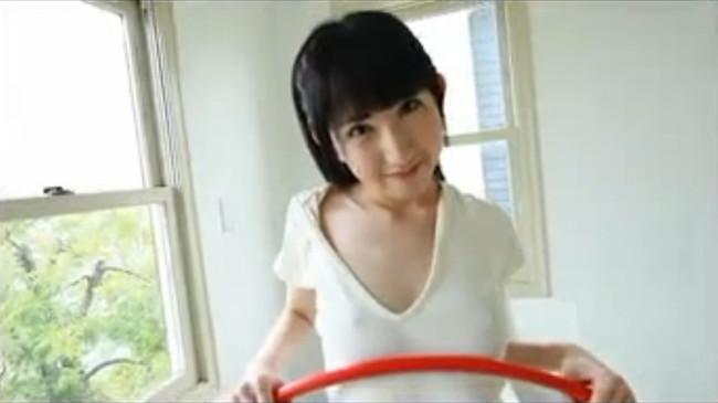 【ヌード画像】優木麻奈の白いモッチリ美肌が魅力的な着エロ画像(40枚) 02