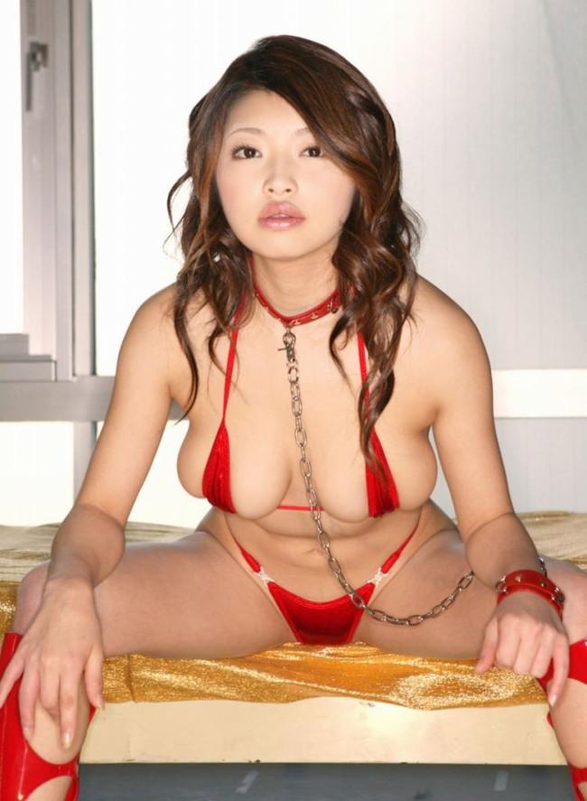 【ヌード画像】美女の赤い下着姿が情熱的すぎw(33枚) 06