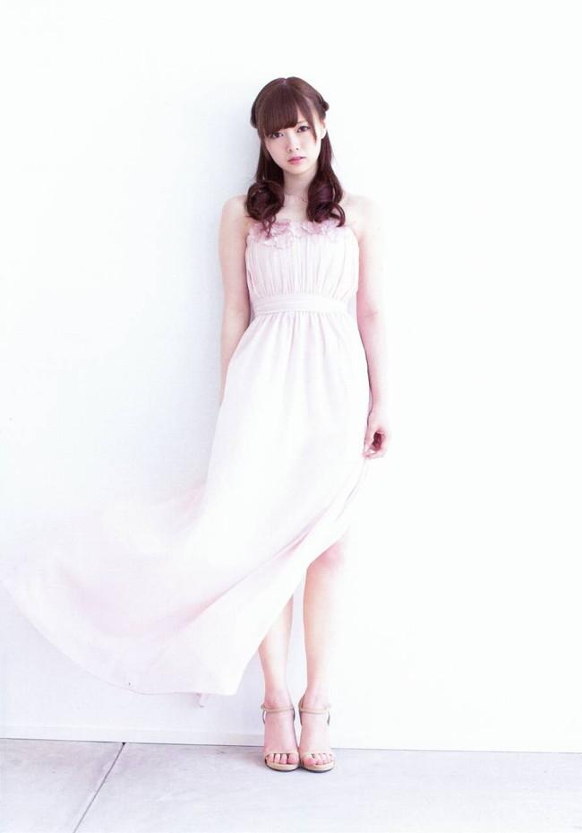 【ヌード画像】白い肌が魅力的!白石麻衣のセクシー画像(30枚) 02