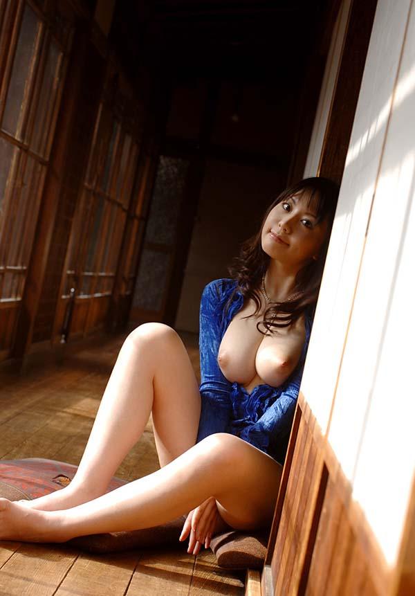 【ヌード画像】竹内あいの美白美巨乳ヌード画像(33枚) 17