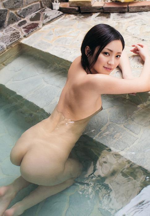【ヌード画像】桃谷エリカのスレンダーボディのエロさは神w(33枚) 06