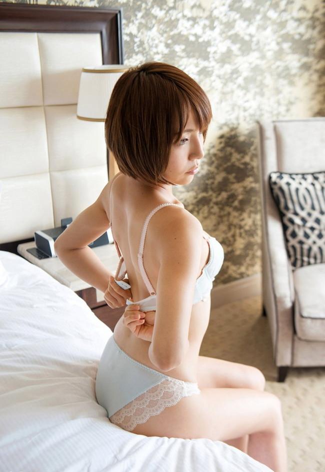 【ヌード画像】高梨あゆみのショートヘアが可愛いヌード画像(30枚) 02