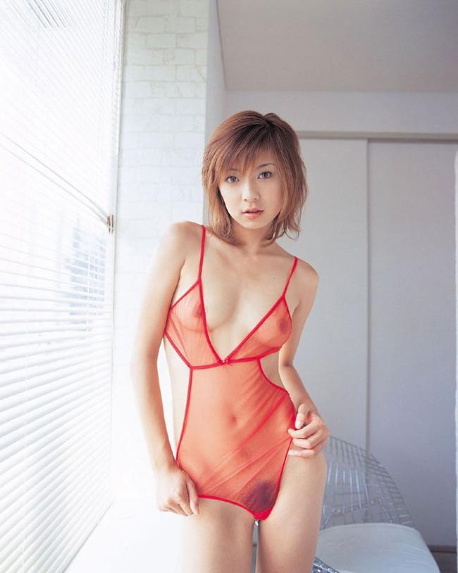 【ヌード画像】服を脱がせたらエロすぎる下着でワックワクだぜw(32枚) 32