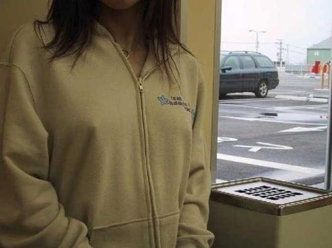 【ヌード画像】濡れて透ける服のナンバーワンはTシャツであると信じて疑わない僕が集めたTシャツ透けエロ画像集です!(50枚) 22