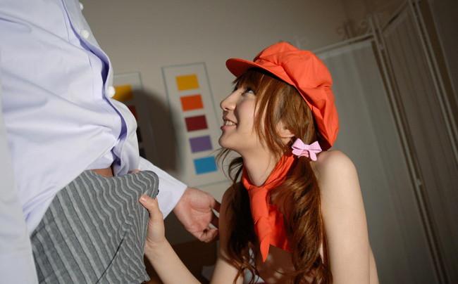 【ヌード画像】パンツの上からチンコいじってくれてる女の子のヌード画像集見てたら自分のチンコも反応しちゃいました(50枚) 34