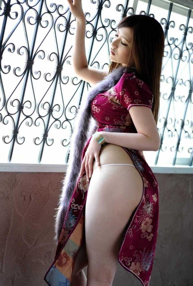 【ヌード画像】チャイナドレスってきらいな野郎はいないよな!スリットとパツパツ具合にコーフンするチャイナドレス画像集(50枚) 40