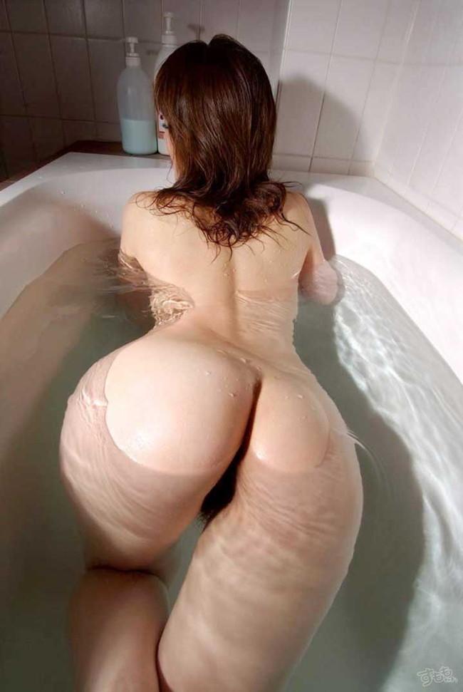 【ヌード画像】美尻の曲線が世界で一非番美しいと思っている俺が集めた超きれいなケツを集めたエロ画像集!(50枚) 24
