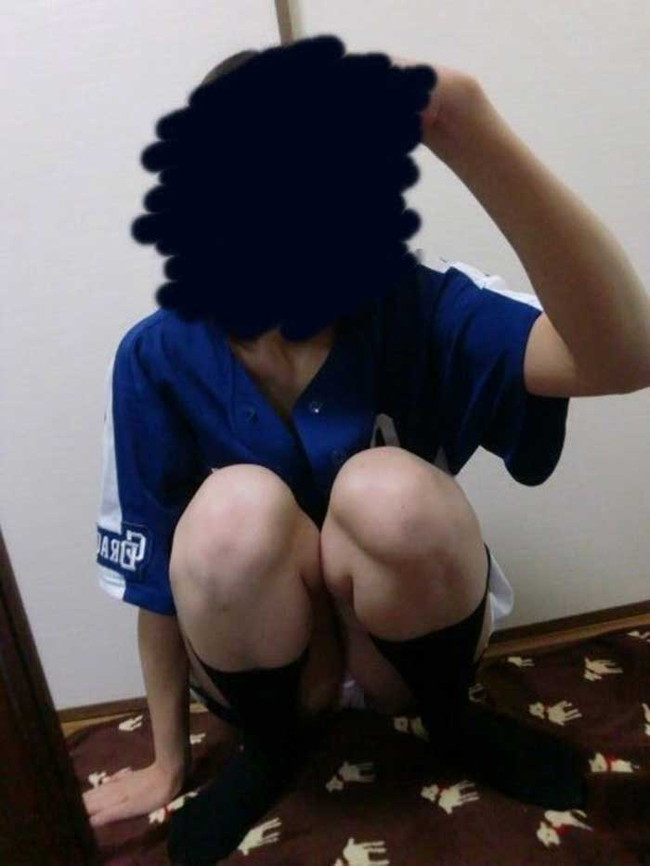 【ヌード画像】女の子が野球のユニフォーム着ると想像以上にエロくなるという事を女性自身はまだ知らないのだろうか?野球ユニのセクシー画像(50枚) 16