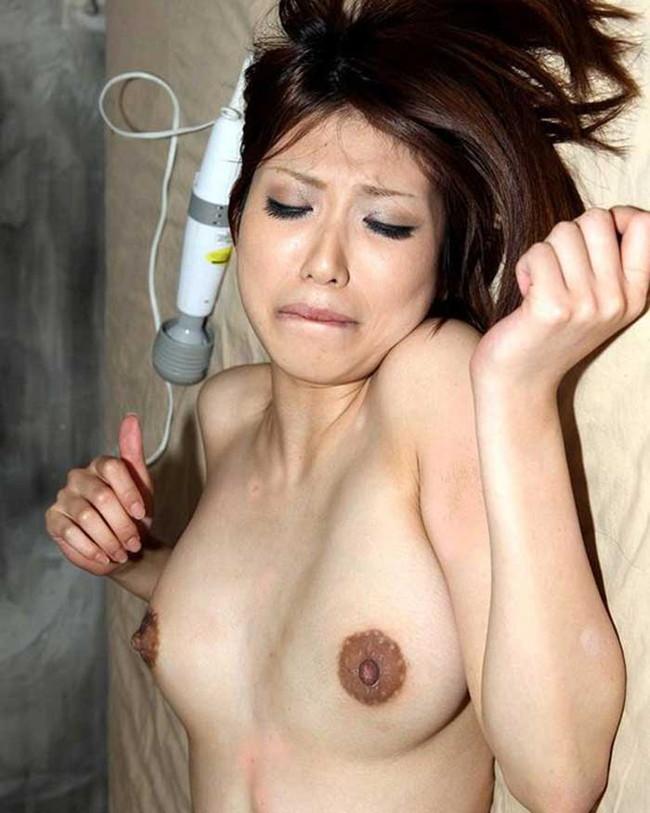 【ヌード画像】乳首色濃いと人間味があってこっちの方がエロい!と感じたらこの黒乳首ヌード画像集をどうぞww(50枚) 14
