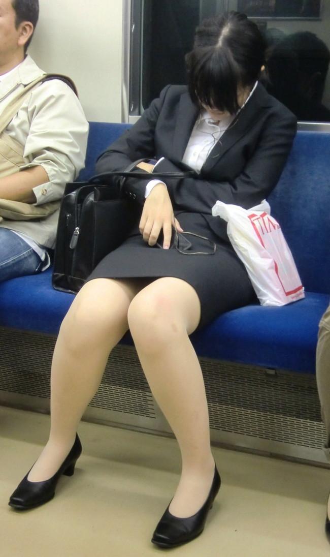 【ヌード画像】エロい!エロいぞリクルートスーツ!この初々しさとぴったりお尻のギャップ感がたまりません!(50枚) 09