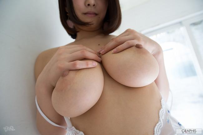 【ヌード画像】最強のAV女優松岡ちなの破壊力!!Hカップさえブレるこの美しさはなんなんだ!的な画像集(50枚) 31