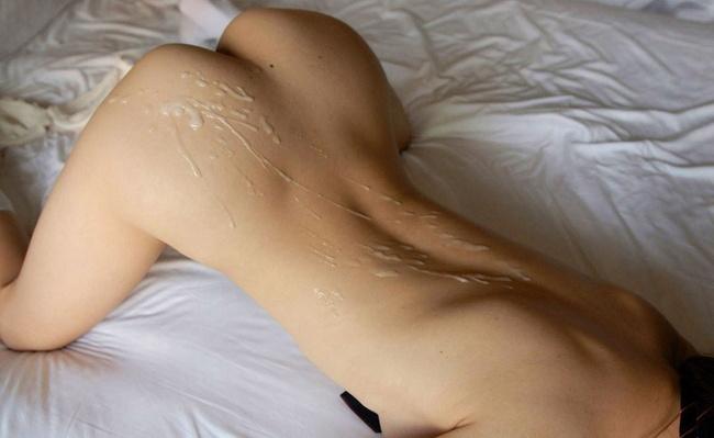 【ヌード画像】くびれと美尻、そのラインが美しい背中画像(30枚) 04