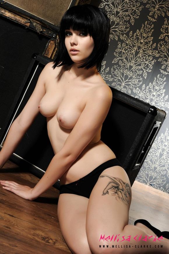 【ヌード画像】20代中盤ぐらいの程よいお姉さんの外国人画像(30枚) 03