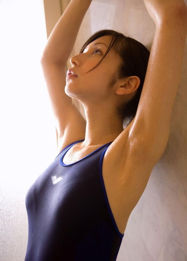 【ヌード画像】腋オープンしてフェチズムを満たしてくれる女性(32枚) 10