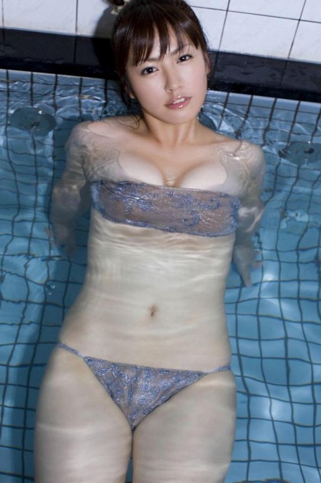 【ヌード画像】ムチムチ界のプリンセス・磯山さやかのムッチリ水着(41枚) 03