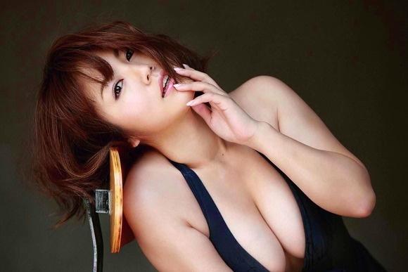 【ヌード画像】ムチムチ界のプリンセス・磯山さやかのムッチリ水着(41枚) 36