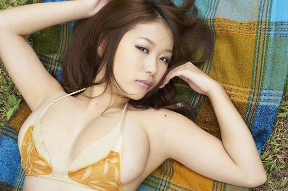 【ヌード画像】よろず巨乳グラドルの水着谷間画像(30枚) 04
