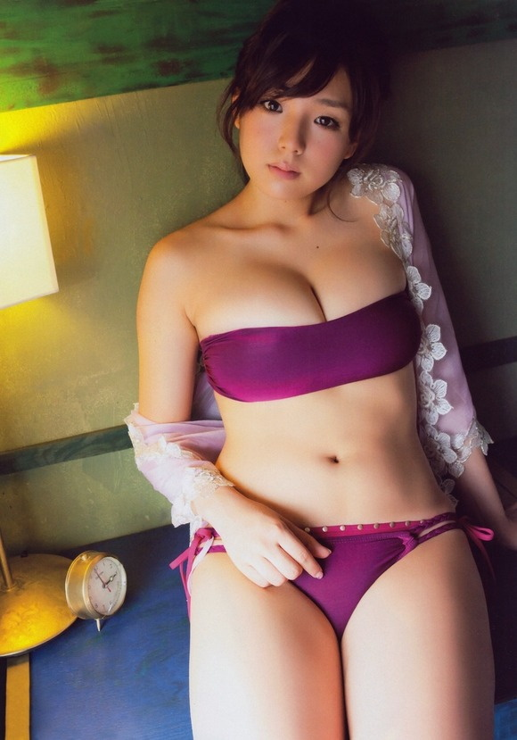 【ヌード画像】よろず巨乳グラドルの水着谷間画像(30枚) 07