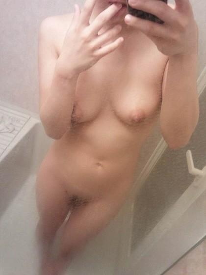 【ヌード画像】素人自撮り女神の生々しい美乳画像(31枚) 25