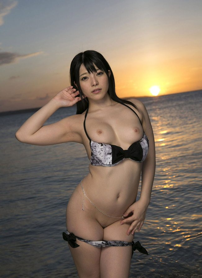 【ヌード画像】黒髪+色白の美女・美少女の清楚なフルヌード(30枚) 12