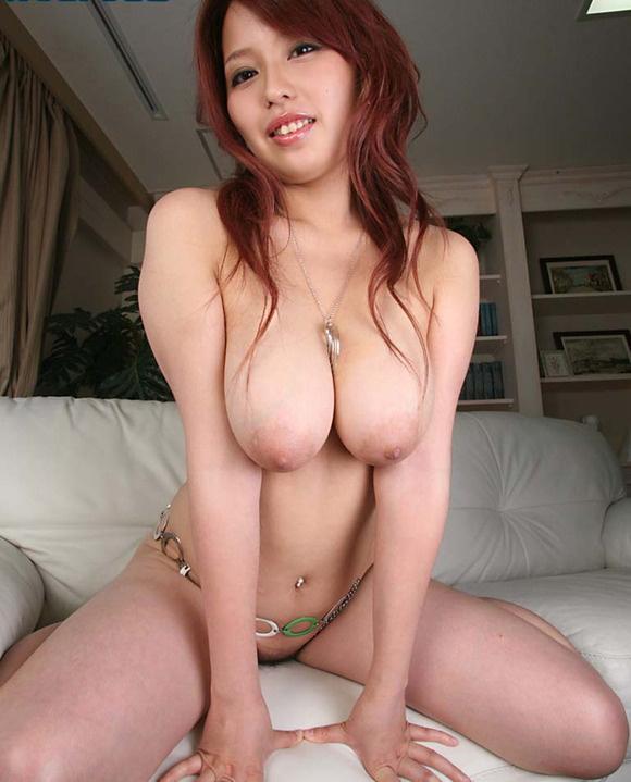 【ヌード画像】寄せて上げなくても大きい巨乳お姉さん画像(30枚) 01