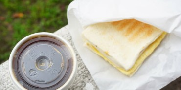 """【新北板橋早午餐】熊夯碳烤  *♥江子翠早午餐""""碳烤三明治""""好滿足豬排蛋敲好吃"""