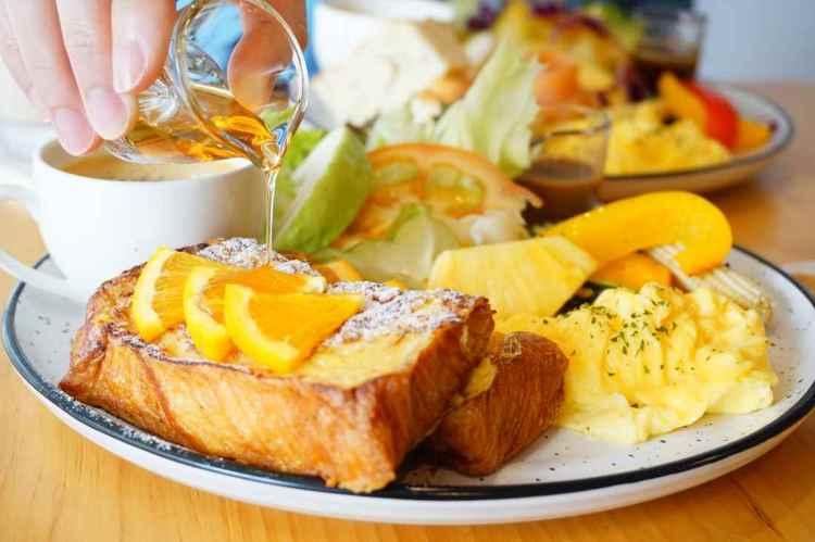 """【台北中山早午餐】栗栗甜 Sweet Chestnuts    寵物友善早午餐""""瑞士蓮法式吐司"""