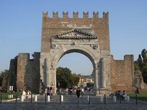Rimini, Arco di Augusto 1