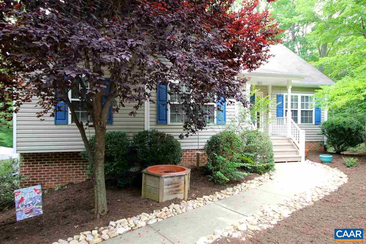 Property for sale at 19 DOGLEG RD, Palmyra,  VA 22963
