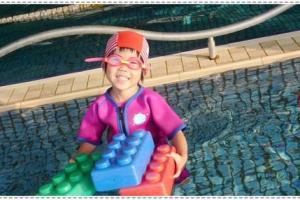試用Splash About 潑寶嬰幼兒功能性泳裝~保暖系列、遮頸帽、抗UV防霧泳鏡