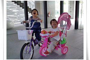 小雨的第一台腳踏車~三輪腳踏車⊕1y8m