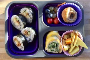 【便當日記】#14 捲壽司也優雅的早晨 Bento #14 Sushi Rolls, Japanese Spinach Omelette & Curried Chicken