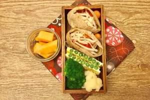 【便當日記】#47 排笛造型四季豆煎蛋Bento #47 Green Beans Omelet