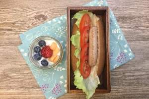 【便當日記】#62 不含硝酸鹽全麥火雞肉熱狗堡Bento #62 Hot Dog Burger Recipe