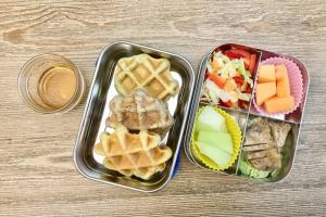 【便當日記】#83偽煙燻雞肉、自製培根、列日鬆餅Bento #83 Easy Homemade Smoked chicken and Bacon and Liège Waffles