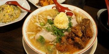 大阪梅田美食|2国拉麵 x 30克拉超濃郁大蒜拉麵與香軟牛筋