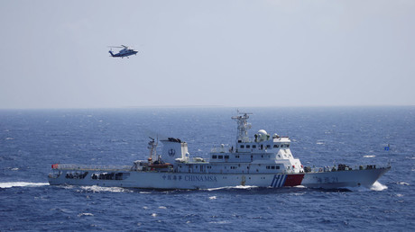 Chinese ship and helicopter in China as Xisha Islands, South China Sea © Stringer