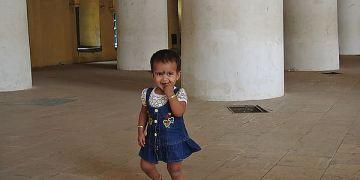 奇幻南印Day6 馬都萊 Thirumalai Nayaka palace 注意力被小孩吸引
