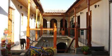 南美祕魯。阿雷基帕。旅館。Hostal Le Foyer。享受熱鬧活潑與喧囂