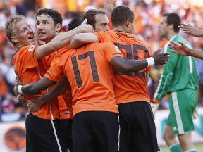 Holland 2 Denmark 0