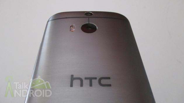 HTC_One_M8_Back_Slanted_HTC_Logo_TA_02